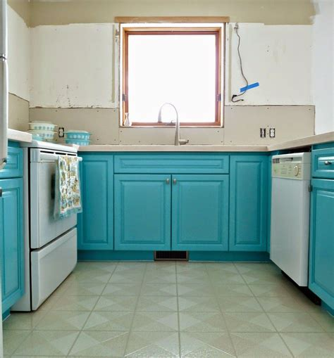pictures of kitchens with oak cabinets 15 favorite ideas for turquoise kitchen decor and 9124