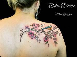 Fleur De Cerisier Tatouage : tatouage fleur de cerisier epaule ~ Dode.kayakingforconservation.com Idées de Décoration