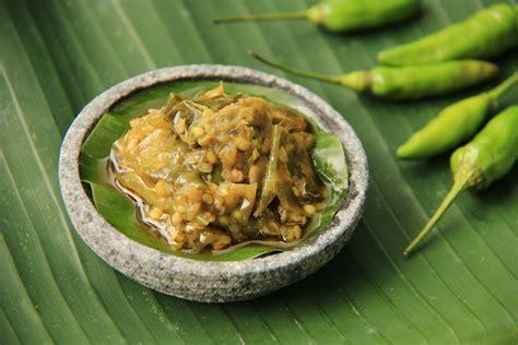 Sajian sambal dengan kencur juga sangat nikmat, lho. Resep Sambal Ijo Khas Minang untuk Cocolan - Masak Apa ...