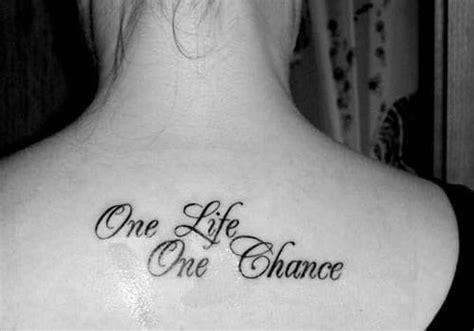 phrase sur la vie tatouage