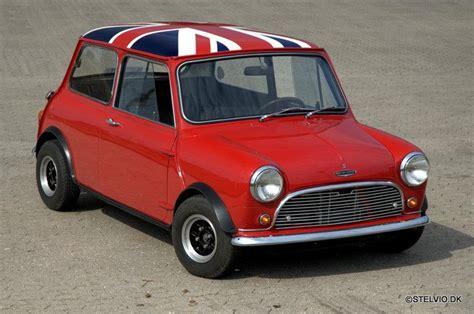 24 Old Mini Cooper Vintage