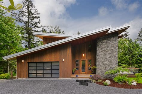 Green Built Modern   Contemporary   Exterior   Seattle   by The 425 Group  Kirsten Robertson