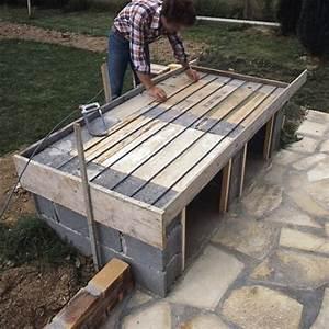 Barbecue en briques de parement montées sur parpaings