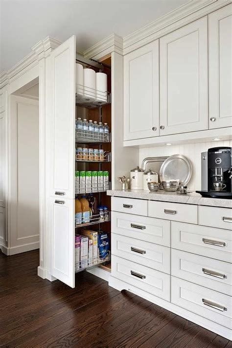 pantry cabinets  ways  create pantry  kitchen