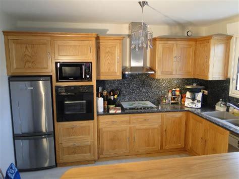 cuisine moderne bois massif meubles 64 creation de mobilier portes et placards sur