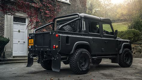kahn design reveals new exclusive upgrade kit for land rover defender