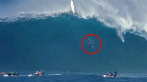 surfer stuerzt von zwoelf meter hoher monsterwelle video