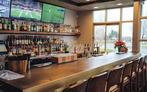 Kitchen Bar Owners by Latitude Kitchen And Bar Bellingham Alive February Edition