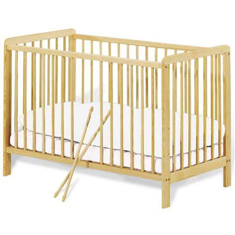 chambre bebe en pin lit bébé à barreaux 60x120cm pin massif pinolino