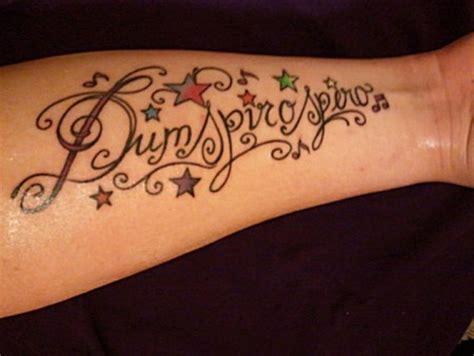 schriftzug unterarm minchen91 schriftzug unterarm dum spiro spero tattoos
