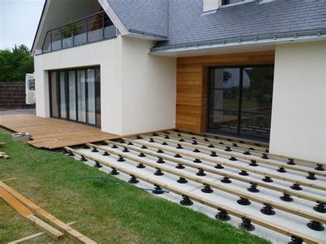 nivrem tuto terrasse bois sur plot diverses id 233 es de conception de patio en bois pour