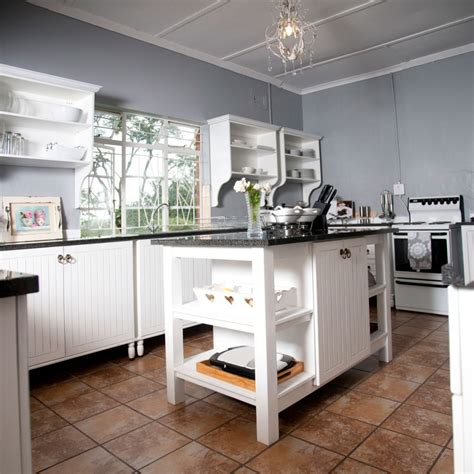 Why Free Standing Kitchens?  Bergwood