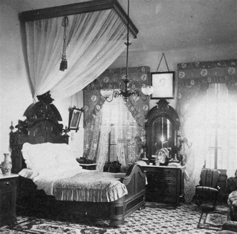 bedroom  vintage   victorian bedroom