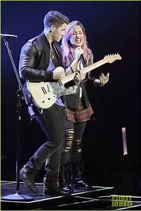 Demi Lovato Opens 'Neon Lights Tour' with Nick Jonas ...