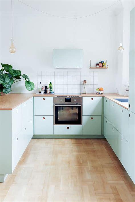 mint green and kitchen cuisine ikea personnalis 233 e r 233 nover sa cuisine en vert pastel 9175