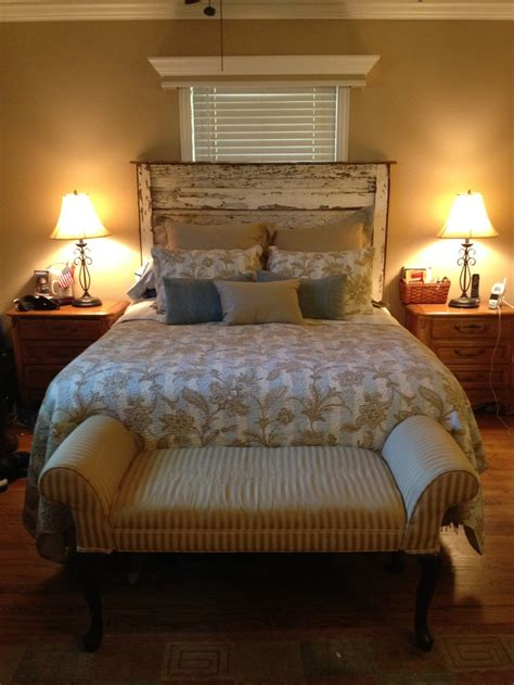 Bedroom Ideas With Headboard by 31 Best Images About Barnwood Headboard Ideas On