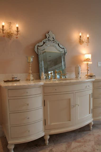 Custom Traditional/French Bathroom Vanity   Traditional