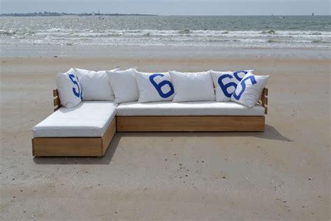 canapé en bois massif canape exterieur bois maison design wiblia com