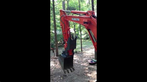 kubota kx  compact excavator  usa attachment pin  hydraulic thumb  blathering youtube