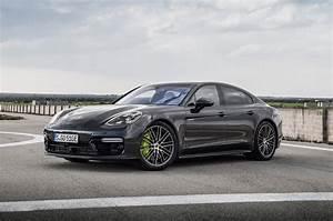Porsche Panamera Hybride : premi res impressions porsche panamera turbo s e hybrid 2018 motor trend canada ~ Medecine-chirurgie-esthetiques.com Avis de Voitures