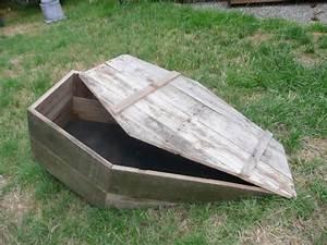 ground-breaker toe pincher coffin for yard haunt | Toe ...