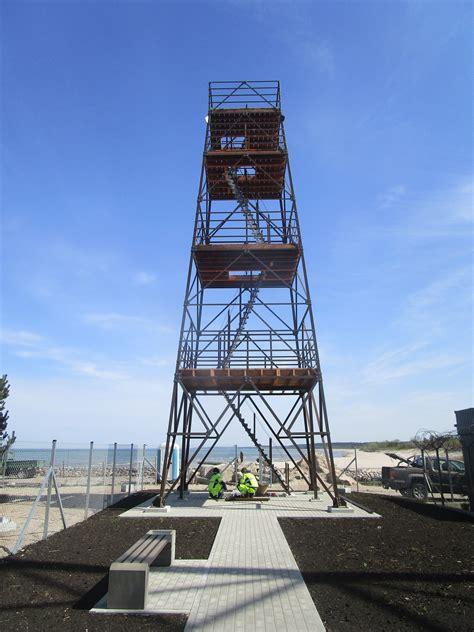 Pāvilostas atjaunotajā skatu tornī kuģus un putnus var ...