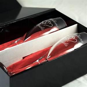 Boite Coffret Cadeau Vide : coffret cadeau personnalis de 2 fl tes champagne grav es ~ Teatrodelosmanantiales.com Idées de Décoration