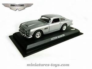 Aston Martin Miniature : l 39 aston martin db5 1950 miniature d 39 universal hobbies au 1 43e miniatures toys ~ Melissatoandfro.com Idées de Décoration