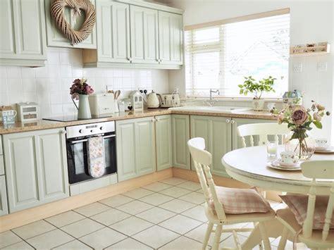 renover sa cuisine a moindre cout 1001 conseils et idées de relooking cuisine à petit prix