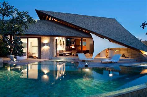 model desain rumah gaya villa minimalis terbaik
