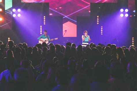tool helps worship leaders select contemporary songs
