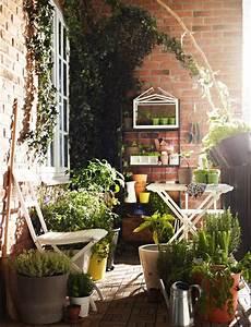 30 inspiring small balcony garden ideas amazing diy With whirlpool garten mit ikea balkon holzfliesen