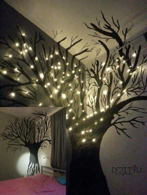 Kinderzimmer Deko Lichterkette by Mit Schwarzer Farbe Einen Baum An Die Wand Malen Und