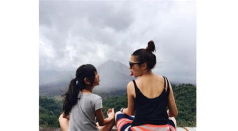 Gaun Nikita Willy Holidays