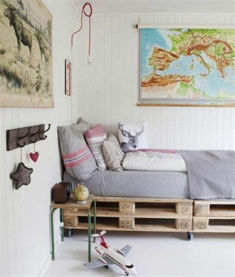 chambre en palette comment faire un lit en palette 52 idées à ne pas manquer