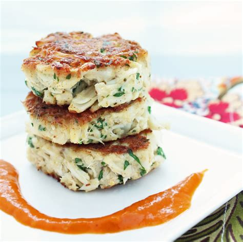 carb crab cakes  roasted red pepper sauce
