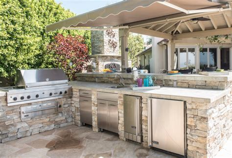 kitchen designs with islands and bars options grow as cooks turn more to outdoor kitchens