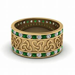 Emerald celtic knot diamond wedding band in 18k yellow for Emerald green wedding ring