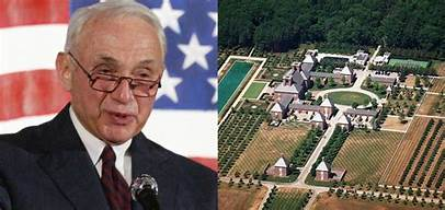 A Jeffrey Epstein accuser blames Victoria's Secret owner Les Wexner for sexual assault that she says occurred on his Ohio property…