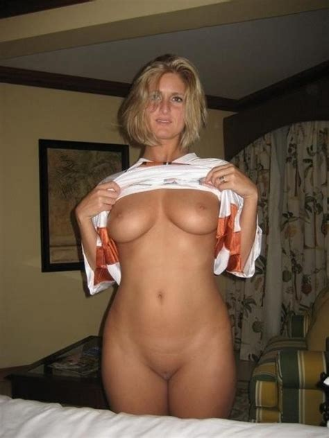 Real Deal Milf Reveal Porno Pics