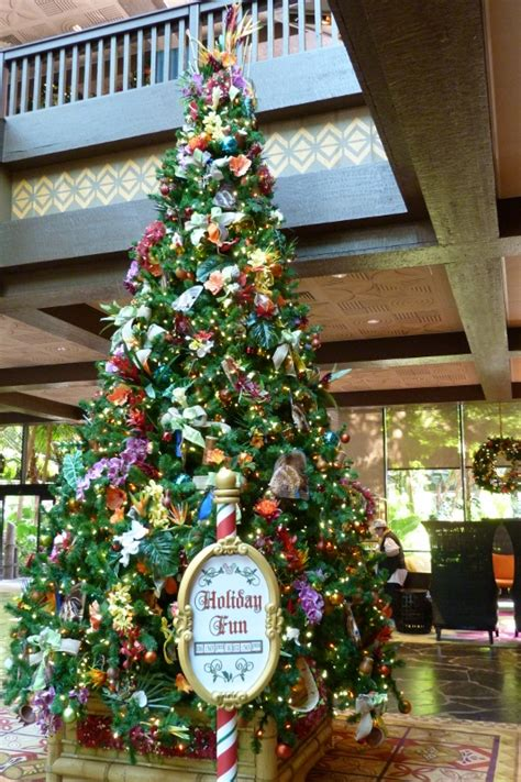 disney world christmas trees polynesian tree 2015 533x800 2957