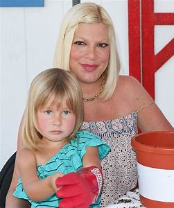 Tori Spelling with daughter Stella (also has sons Liam and ...
