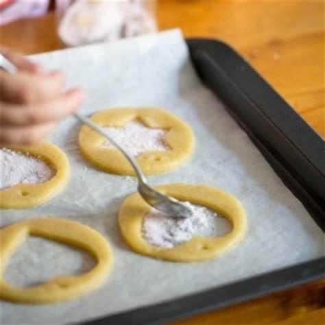 cuisine de noel 2014 recette des biscuits vitraux pour décorer votre sapin de