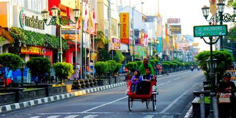 swiss bank singaporean  richer  malaysian