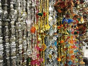 The Markets of Vadodara Therefore I travel