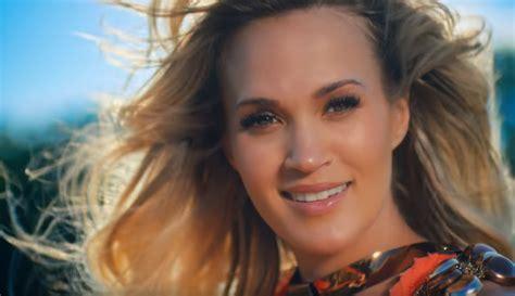 Carrie Underwood Drops Mesmerizing