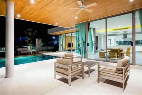 Modern Pool Deck Design