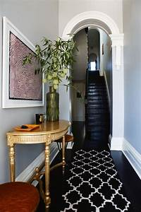5 Ways To Decorate A Narrow Hallway - shoproomideas