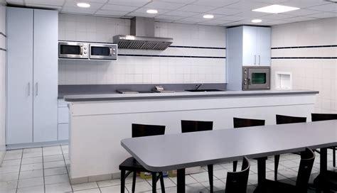 table bar rangement cuisine aménagements de cuisine rangements tables bar
