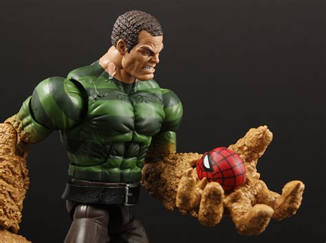 Review Advent Calendar Day 14 Marvel Legends Sandman